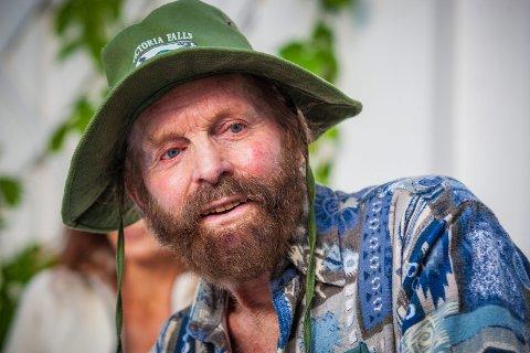 GLENNETJERN: I 2012 stilte Sverre M. Fjeldstad opp sammen med andre som ville slå ring om Glennetjern.