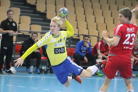 FIGHTET: Kevin Maagerø Gulliksen jobbet som en helt, og scoret seks mål mot Haslum.