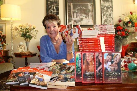 MILLIONSALG: De to seriene, Arvesynd og Morsjherte, har solgt fem millioner bøker.