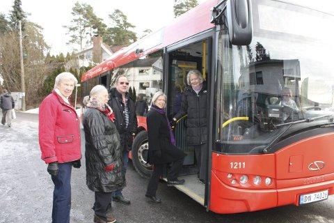 BYDELSBUSS:  Beboere på Ulvøya får støtte av bydelsutvalget i sitt ønske om buss opp til Sæter og Holtet. FOTO: Aina Moberg