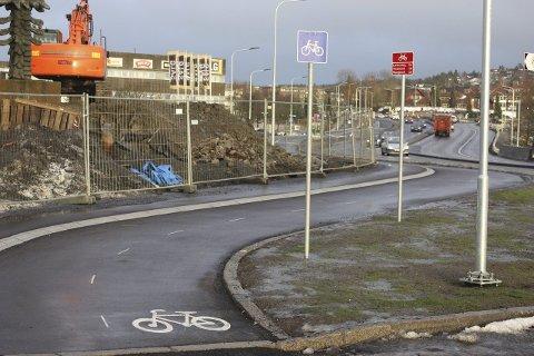 TVEITA: Syklister i den nye sykkelveien som bygges i Tvetenveien kan få forkjørsrett. Foto: Arne Vidar Jenssen