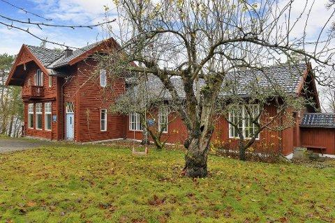 SOLGT: Hvis bystyret godkjenner salget, venter en større vedlikeholdsjobb for den nye eieren av Villa Heimli. Foto: Privatmegleren