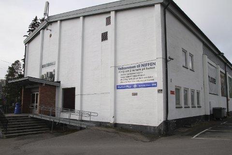 ØNSKES REVET: Nordstrandhallen AS vil rive den gamle hallen i Vangen 3 på Nordstrand og bygge en ny, større hall med plass til over 2000 personer. Foto: Kristin Trosvik