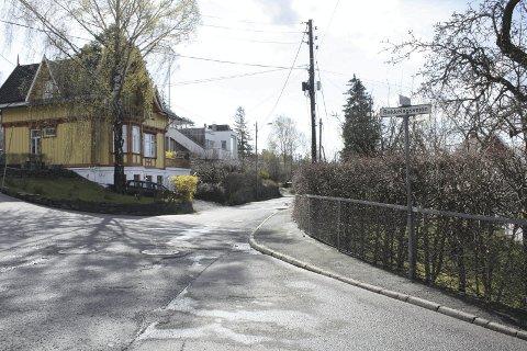 NY BOM? Nordstrand bydelsutvalget ønsket en bom til her i Solveien/Bekkelagsveien under prøvestengingen. Nå skal utvalget ta stilling til om de ønsker å gjenoppta prøveprosjektet med stenging av Solveien, denne gang med to bommer. Foto: Aina Moberg