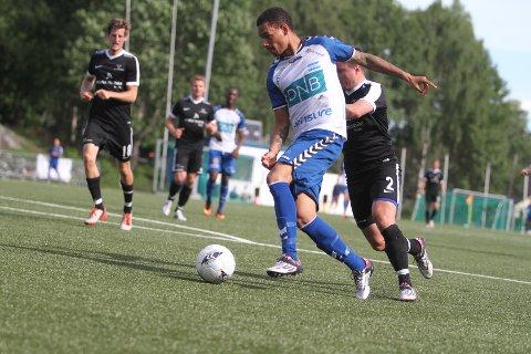 VAKKER SCORING: Jorge Rosario Matos lagde 3-0 til NIF med en følsom lobb fra 16-17 meter.