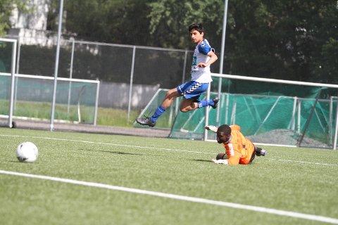 3-0: Her setter Mohammed Usman Shakoor inn 3-0 til NIF, og kampen var avgjort.