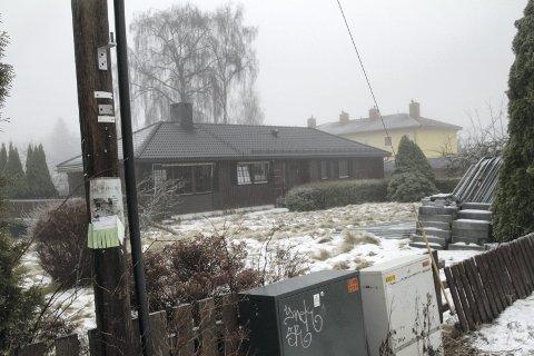 RIVES: Husene som nå ligger på adressen Bølerveien 4-8 skal rives og erstattes av nye rekkehus med stipulert ferdigstillelse andre kvartal 2018.