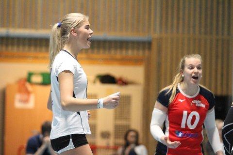 JUBEL: Renate Bjerland (venstre) og Oslo Volley slo OSI enkelt 3-0 i eliteserien i helgen.