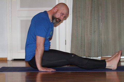 FREMGANG: Henning Ruud merker stor fremgang etter en høst med yoga.