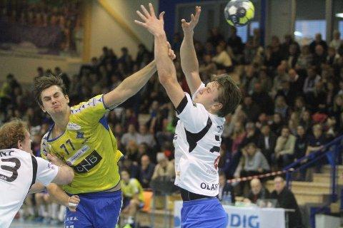TOPPSCORER: Magnus Abelvik Rød banket inn seks scoringer mot meget svake Drammen HK.