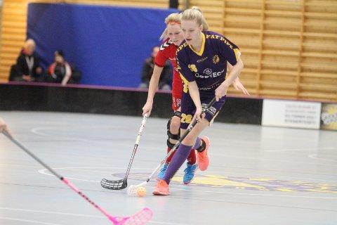 KONTROLL: Emma Lunde og Tunet hadde bra kontroll på Tunet etter en litt famlende åpning på kampen.
