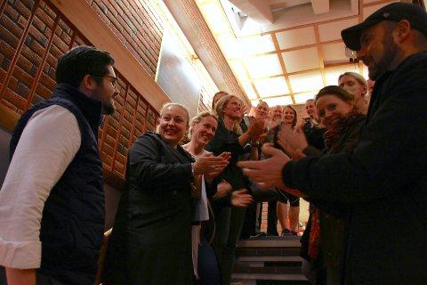 GLADE: Mandag kveld klappet høyenhallforeldre over støtten fra Østensjø bydelsutvalg. Tirsdag kom beskjeden de ønsket seg aller mest. Foto: Karl Andreas Kjelstrup