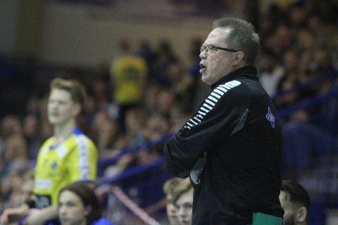 """NULL STRESS: Trener Jan """"Proppen"""" Karlsson stresser ikke med at BSK allerede har mistet tre av sine aller beste spillere til neste sesong."""