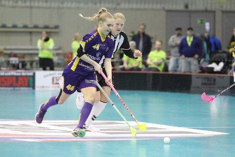 JOBBET: Camilla Larsen jobbet bra i finalen mot Sagene.