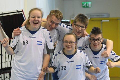 GODT SAMHOLD: Fra venstre; Sigrid, Andreas, Tonje, Christian og Robin.