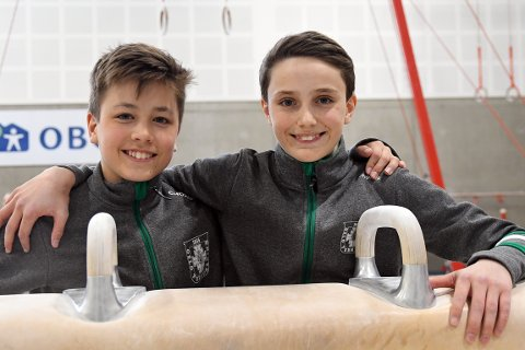 GODE KAMERATER:  Laurits og Magnus satser mot toppen i turn - med hverandres støtte.