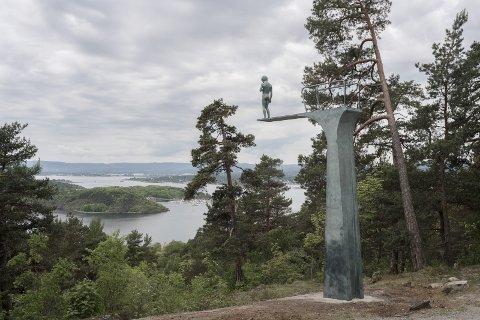 «DILEMMA»: Det nyeste kunstverket i Ekebergparken blir tilgjengelig for publikum fra 2. juni. Foto: ©Elmgreen & Dragset/Florian Holzherr/Ekebergparken 2017