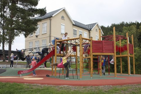 Utearealer: I 2013 fikk skolen oppgradert utearealene sine. Arkivfoto: Aina Moberg