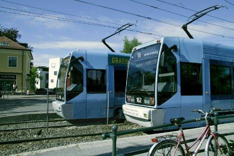 TRIKKENYTT: Hvis du kjører med 18-trikken må du ta buss for trikk mellom Jernbanetorget og Holbergs plass frem til neste vår. Arkivfoto