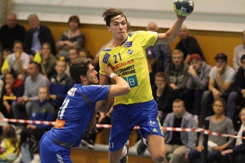 TOPPSCORER: Fabian Sandven ble toppscorer med åtte mål mot Sandefjord. Hr scorer han ett av de med venstre.