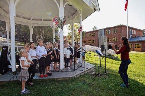 SANG: Nordstrand barnekor underholdt. Foto: Lukasz Bielawski