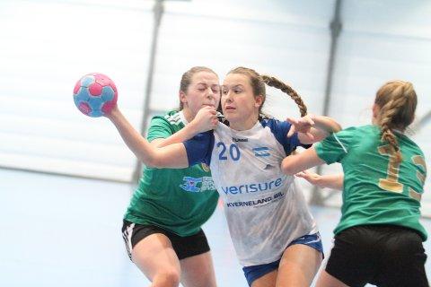 BEST: NIFs Elin Sunde Tveter var i en klasse for seg mot Sverresborg, og scoret 10 mål på 12 skudd.