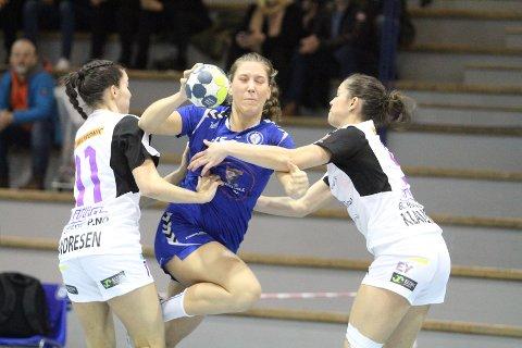 ENDELIG: Eira Aune scoret tre mål på fire skudd da Oppsal slo tabelljumbo Glassverket 30-25.