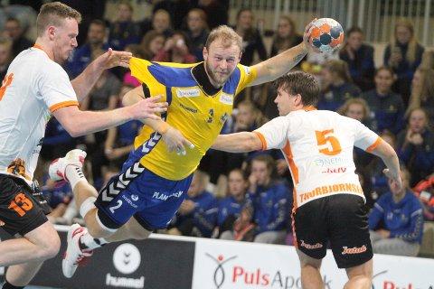 TAPTE: Joakim Patriksson og BSK tapte til slutt 31-30 for Halden.