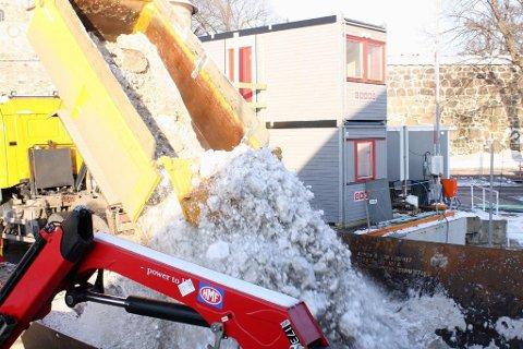 S/S TERJE: NCCs smeltelekter stod klar til bruk 1. januar 2012. Den har kapasitet til å smelte og rense 500 kubikkmeter snø i timen uten å bruke drivstoff. Anlegget drives med energi fra sjøvannet. Arkivfoto: Kristin Trosvik