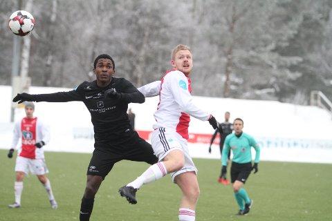 KOM TILKORT: Fredrik Levorstad og KFUM/Oslo ble et lite nummer for små mot Kjelsås, og tapte 2-1 i helgens treningskamp.