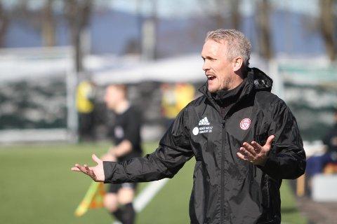 TAR LÆRDOM: Trener Jørgen Isnes er sikker på at KFUM/Oslo lærer av feilene de gjorde mot Kvik/Halden.