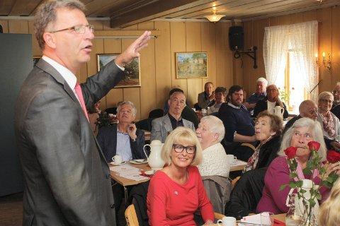 APPELL: I fjor talte finansbyråd og nordstrandsbeboer Robert Steen på 1. mai-arrangmentet på Lambertseter gård. I år tar han turen til sine barndomstrakter på Bøler. Arkivfoto: Arne Vidar Jenssen