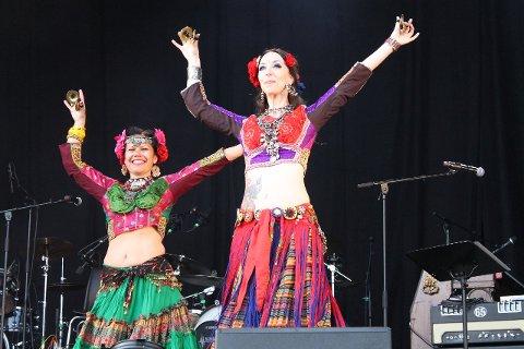 FARGERIKT: Vær Stolt-festivalen byr hvert år på et fargerikt og innholdsrikt program. Her Tribal Troopers fra 2016. Arkivfoto: Janina Lauritsen