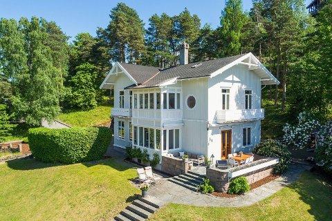VILLA BREIDABLIKK: Villaen er fra 1870 og var opprinnelig et sommerhus.
