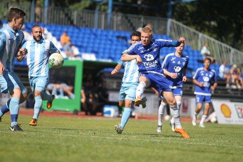 SCORET FØRST: Adrian Fritzøe Østman sendte Oppsal i ledelsen 1-0 i kampen mot Follo på Ski stadion.