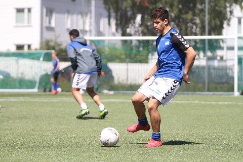 LANDSLAGSSPILLER: Younes Amer er et levende bevis på at det går an å bli en meget bra fotballspiller ved å gå gradene i NIF.