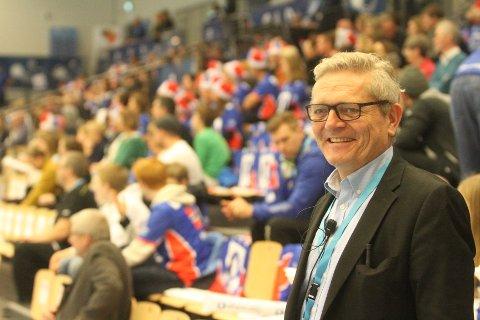 """FORNØYD: Arrangemnetsansvarlig for Nordstrand Arena, Geir Mong, var et eneste stort smil under håndballfesten på """"høgda""""."""
