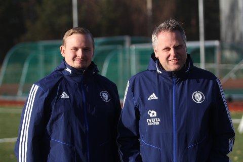NY TRENER: Roy Arne Berg (venstre) er ansatt som ny trener for A-laget til Oppsal i fotball, og daglig leder Ole Ander Arntsen gleder seg til å ta fatt på samarbeidet.