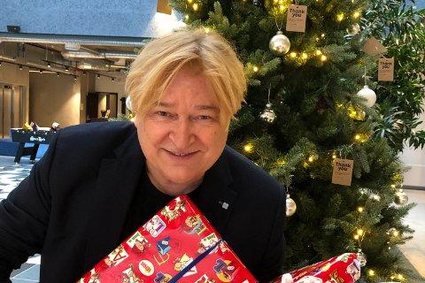 SPILLER I NORDSTRAND KIRKE: Sammen med flere andre artister spiller Jørn Hoel to konserter i Nordstrand kirke 22. desember. 15. desember spiller han i Mortensrud kirke.