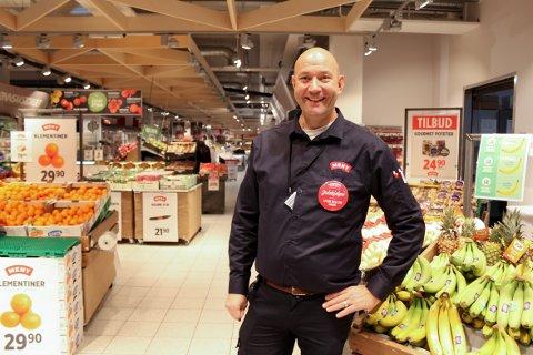 MOT NY OMSETNINGSREKORD: Kjøpmann Sven Fjellseth på Meny Nordstrand har grunn til å være fornøyd.