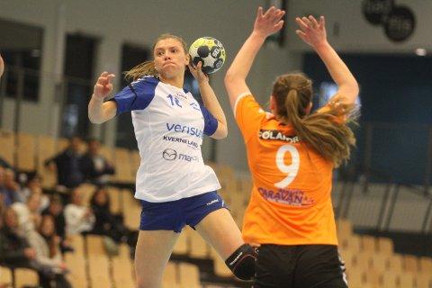 VISTE SEG FREM: Talentet Silje Alvestad scoret tre mål på fem skudd da hun debuterte på A-laget til Nordstrand mot Åsane.