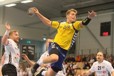 NESTEN: Aksel André Strupstad scoret fire mål på fem skudd da BSK rystet topplaget Elverum.