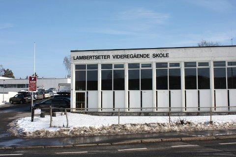 FORSKERNE har i studien basert seg på videregående skoler med studiespesialisering. Lambertseter videregående skole er en av to slike skoler i Bydel Nordstrand.