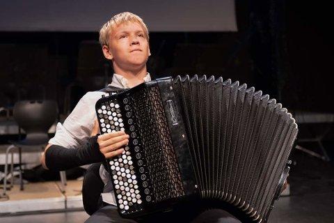 Mathias Rugsveen (15) fra Skullerud har spilt konkurranser i inn- og utland. Torsdag deltar han i Nordstrand Musikkonkurranse i Nordstrand kirke.