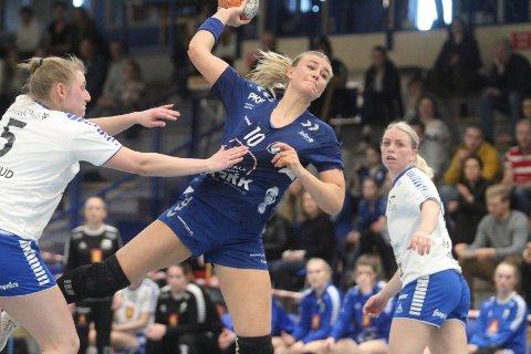 VIKTIG SEIER: Sara Sætre Rønningen scoret fire mål på sju skudd da Oppsal slo Skrim 34-28 i Oppsal Arena.