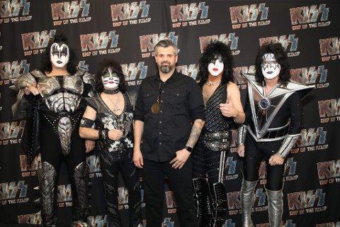 ÅRETS TREKKPLASTER: Jarle Kvåle i Tons Of Rock ble invitert til New York og Madison Square Garden da Kiss spilte der i våres. Kiss går på klokken 21 torsdag kveld.