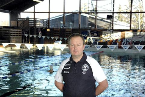GIR SEG: Etter ti år i klubben gir Frank Pedersen seg som daglig leder og sportssjef i Lambertseter Svømmeklubb. Han vil likevel fortsette i en prosjekstilling knyttet til Langbølgen bad.