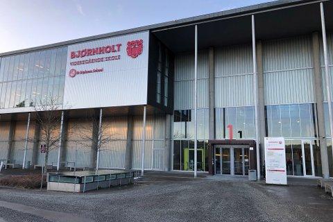 HJEMMESKOLE: Elevene ved Bjørnholt videregående skole får digital undervisning denne uken.