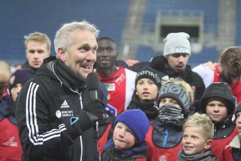 KLAR: Suksesstrener Jørgen Isnes var i søkelyset til Lillestrøm SK, men blir å finne på KFUM Arena i 2020 også.