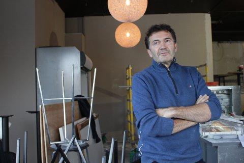 TUNGT: Tomm Munthe opplever tunge tider og frykter at det verste kan skje selskapet hans.